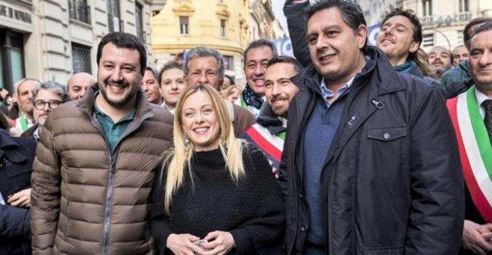 Meloni, Salvini e Toti in piazza contro il Conte-bis