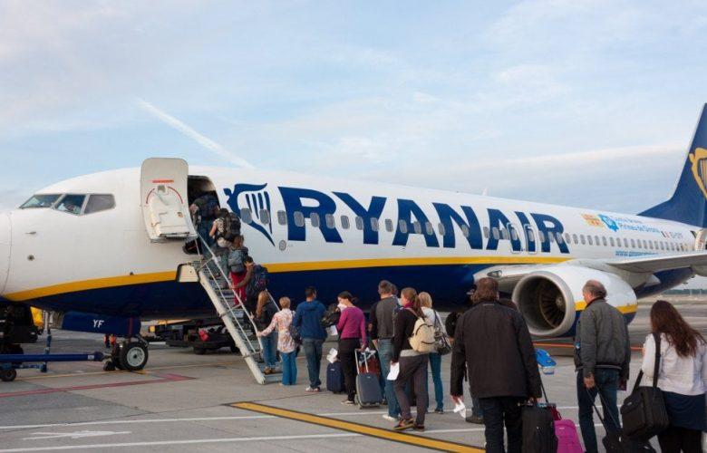 Sì di Conte alla tassa sui voli: vale 137 milioni l'anno