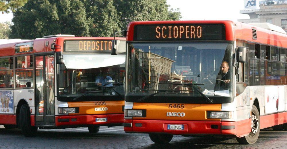 Bus, treni, aerei, ma anche le municipalizzate di Roma: il venerdì nero degli scioperi