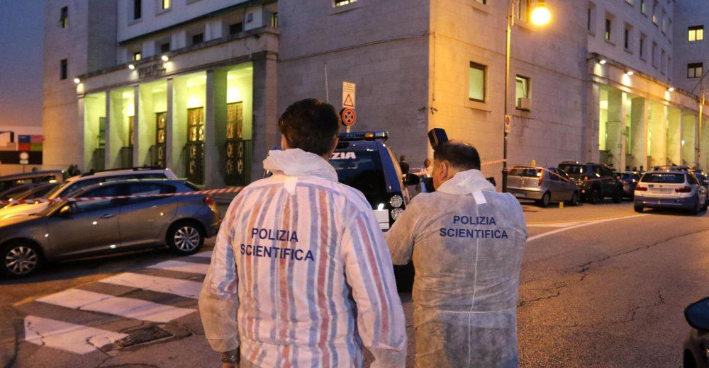 Così sono stati uccisi i due agenti nella Questura di Trieste