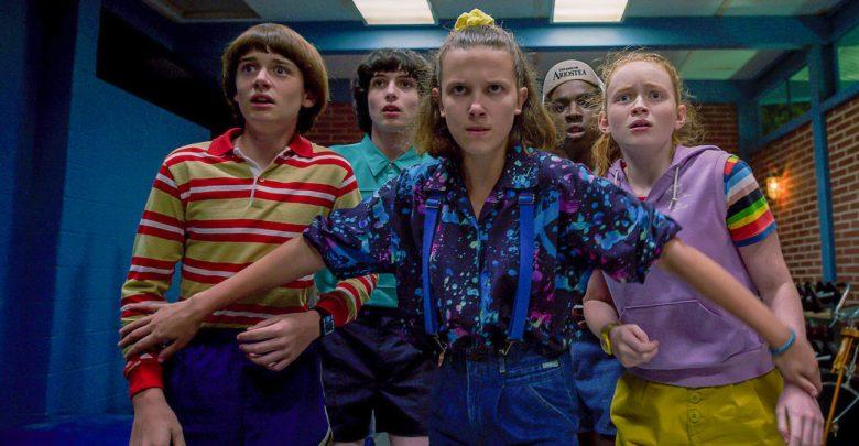Photo of Stranger Things 3, la nostalgica elegia della cultura pop anni '80
