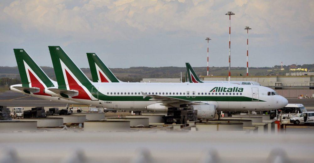 Alitalia, tutto da rifare: «Non c'è una soluzione di mercato»