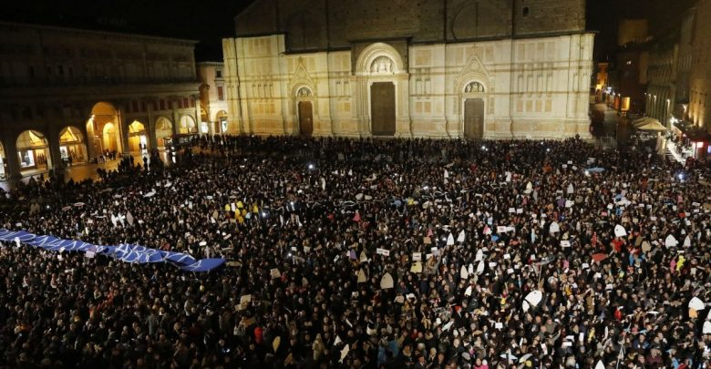 Le piazze anti-Salvini di Bologna