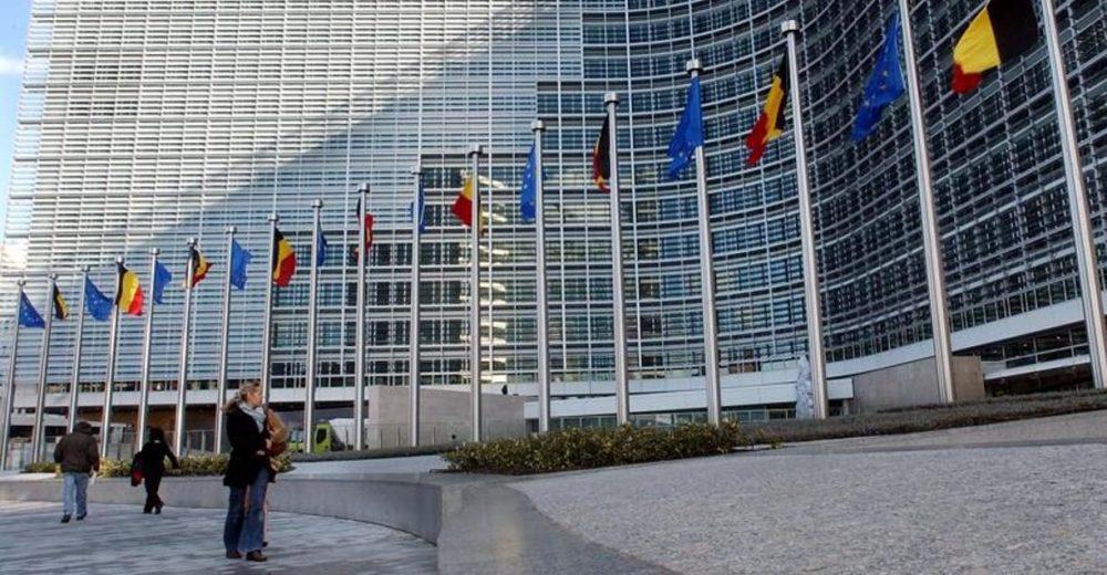 Manovra, l'Ue promuove l'Italia ma con riserva