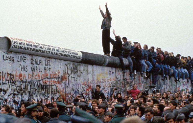 """Muro di Berlino, trent'anni fa la """"caduta"""" che cambiò la Storia"""