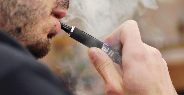 Photo of Sigarette elettroniche, Vitamina E acetato probabile causa delle morti da svapo