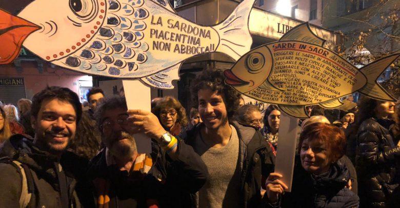 Photo of Dalla piazza al congresso: le sardine vogliono dialogare con la politica