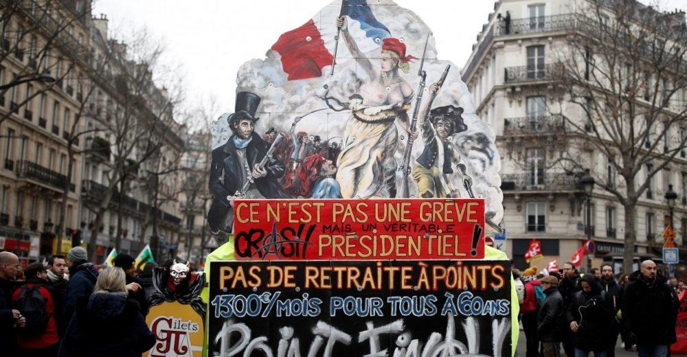 Francia di nuovo bloccata: si protesta contro la riforma delle pensioni