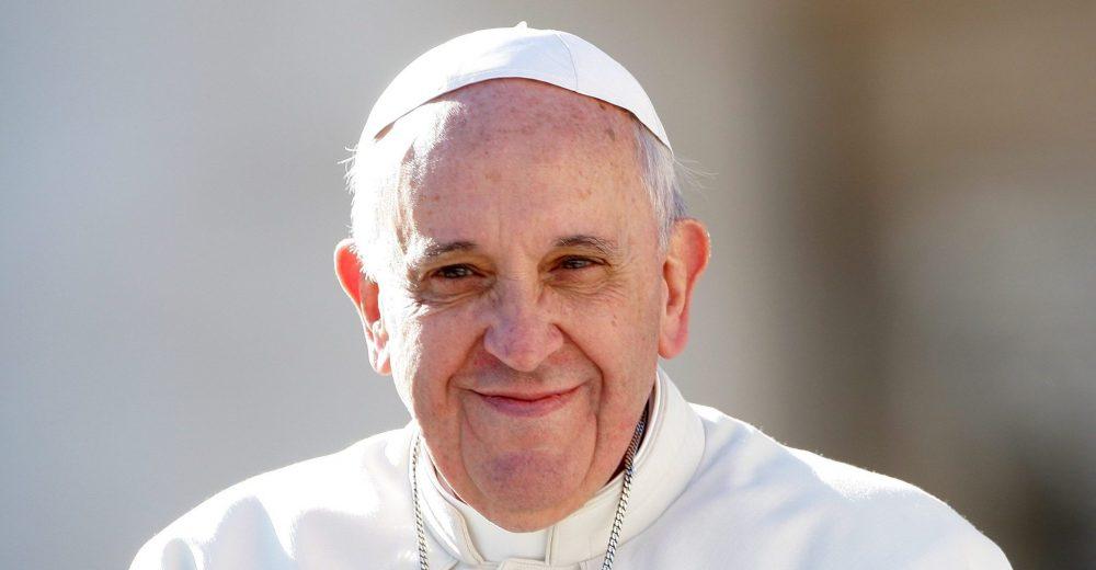 Pedofilia nella Chiesa, svolta storica di Francesco: abolito il segreto pontificio