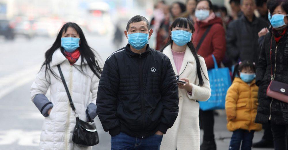 Cina, il nuovo virus è «trasmissibile da persona a persona»