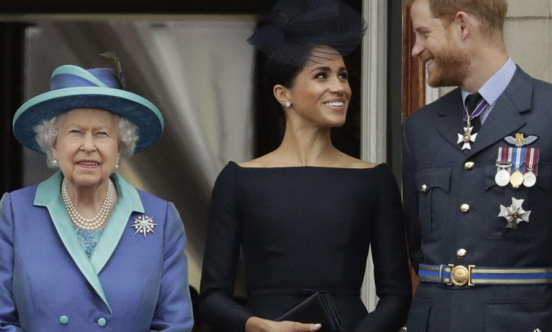 La Regina dice sì all'indipendenza di Harry e Meghan