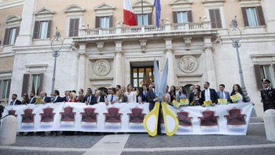 Photo of Referendum taglio parlamentari, mancano le firme: slitta il deposito in Cassazione