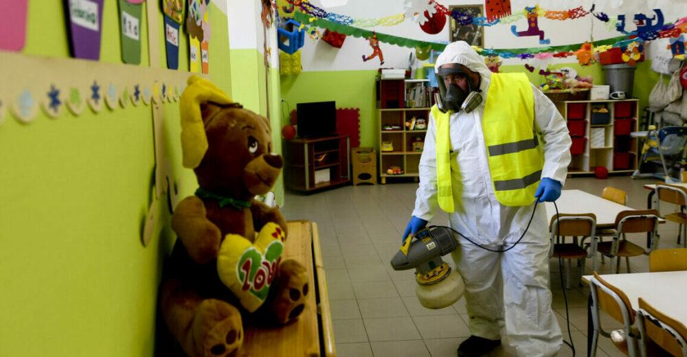 Coronavirus, le scuole restano chiuse per un'altra settimana in Lombardia, Veneto ed Emilia Romagna