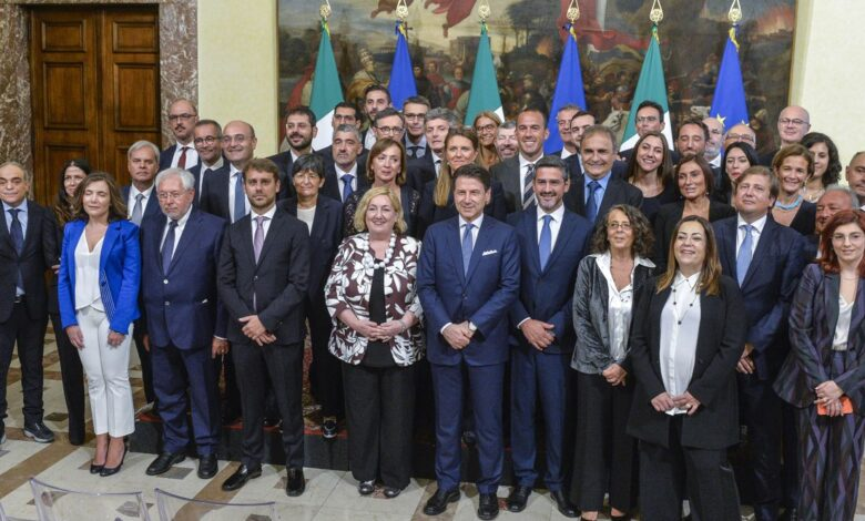 Photo of Il governo del rinvio: dopo cinque mesi ancora in sospeso le deleghe a viceministri e sottosegretari