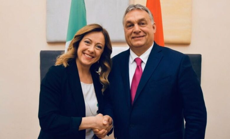 Photo of Meloni e Salvini si contendono Orbán