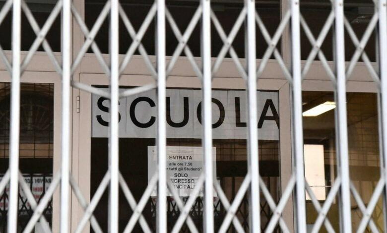 Photo of Vertice del governo sul coronavirus: «Scuole chiuse in tutta Italia fino a metà marzo»
