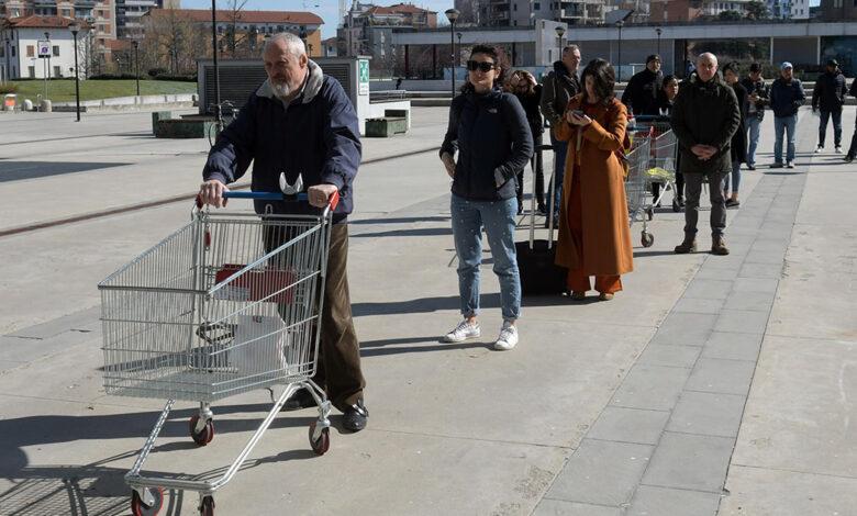 Photo of La Lombardia chiede di chiudere tutte le attività «non essenziali»