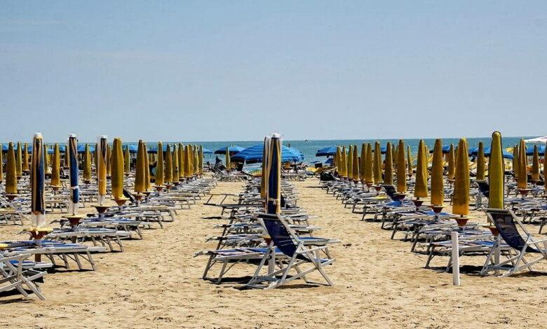 Photo of Dal bonus vacanze al tax credit: ecco il piano del governo per il turismo