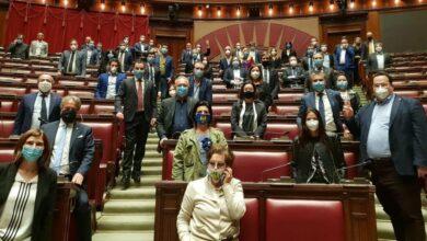 Photo of La Lega occupa il Parlamento: «Agli italiani servono risposte»