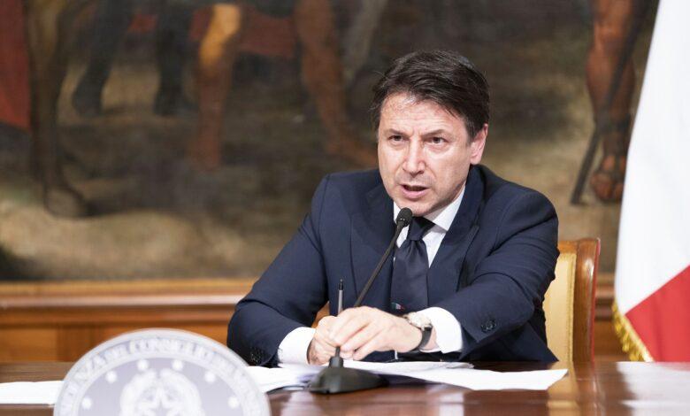 Photo of Coronavirus, approvato il decreto Rilancio. Conte: «Vale due leggi di bilancio»