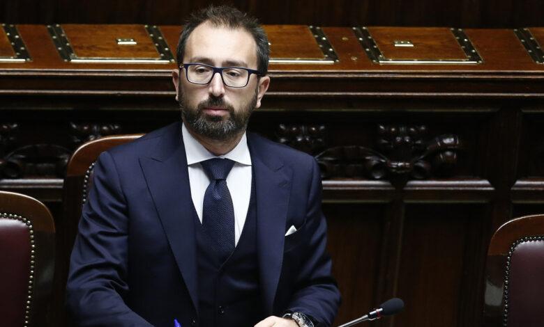 """Photo of Cosa prevede il """"decreto boss"""" sulle scarcerazioni"""