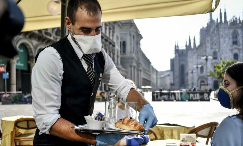 Photo of Dai bar ai parrucchieri: riaperture con rincaro dei prezzi