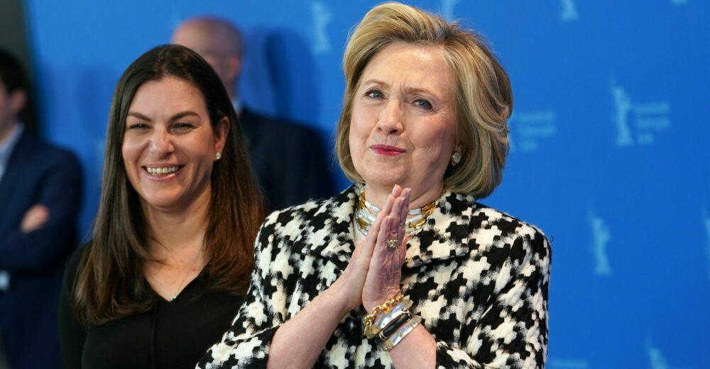 Hillary, il ritratto senza filtri di un volto simbolo del potere