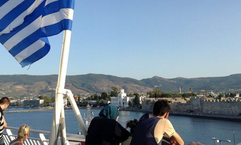 Photo of La Grecia riapre all'Italia, ma quarantena e test per chi arriva da 4 regioni