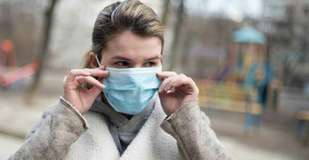 Sulle mascherine il virus resiste per giorni. Ecco come trattarle