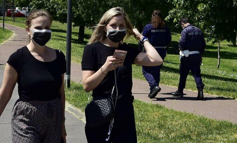 Photo of Visite anche agli amici dal 18 maggio: il governo valuta l'ipotesi nel nuovo Dpcm