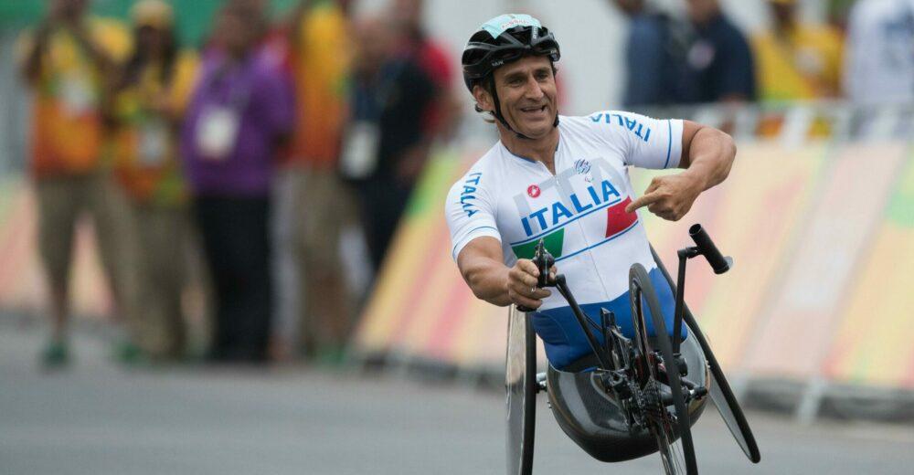 Alex Zanardi tra la vita e la morte, incidente durante una gara di handbike