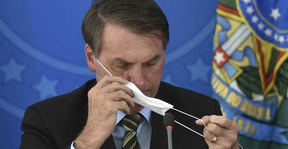 Bolsonaro oscura i dati sul totale di casi e morti di Covid in Brasile