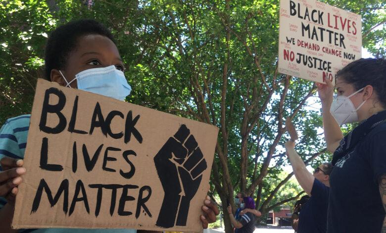 Photo of Caso Floyd, Lega e FdI votano contro risoluzione Ue che condanna il razzismo