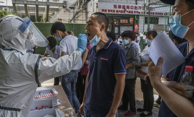 Photo of Coronavirus, Pechino si blinda. Oms: «L'origine del focolaio è europea»
