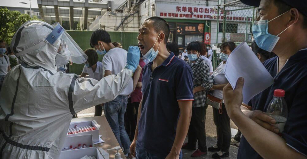 Coronavirus, Pechino si blinda. Oms: «L'origine del focolaio è europea»