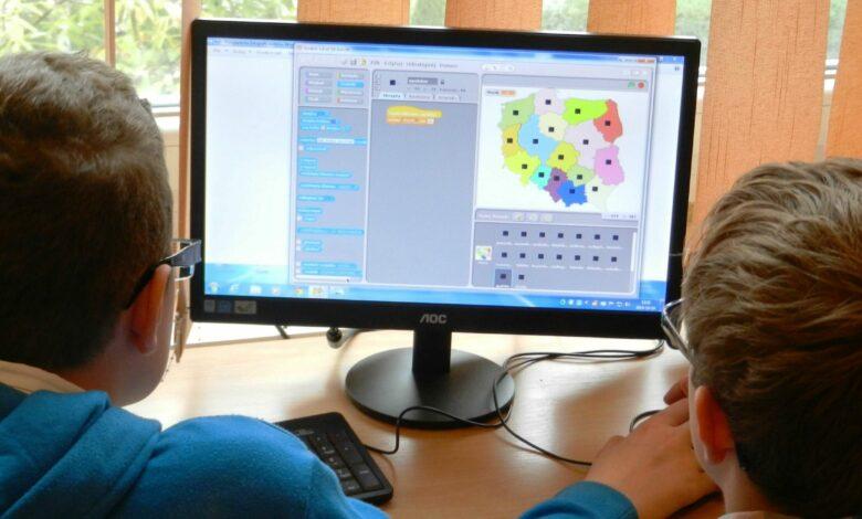 Photo of Digitalizzazione, Italia arretra nella classifica Ue: «Ultima per competenze dei cittadini»