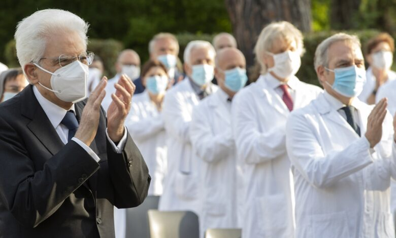 Photo of Mattarella nomina 57 nuovi Cavalieri della Repubblica che hanno combattuto il coronavirus