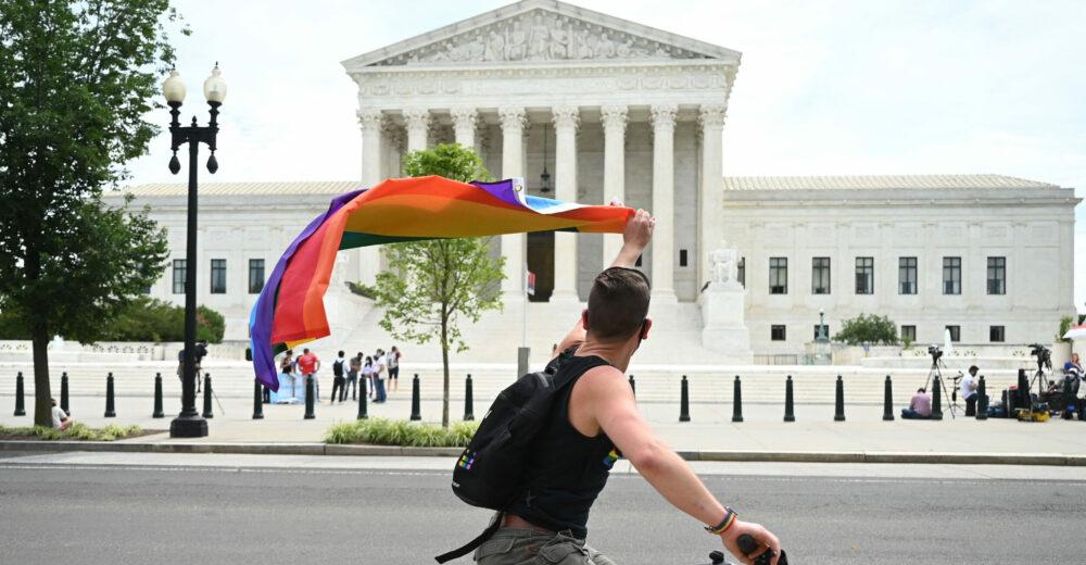 «Nessuno può essere licenziato perché gay»: cosa cambia con la sentenza della Corte Usa