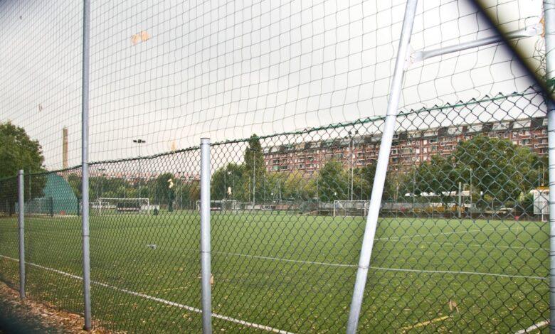 Photo of Niente calcetto, il Comitato tecnico scientifico dice no agli sport di contatto