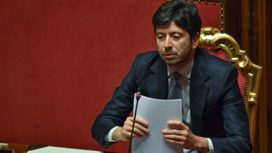 Photo of Vaccino, Speranza firma l'accordo europeo per 400 milioni di dosi entro fine anno