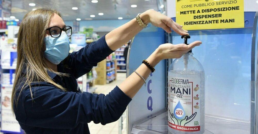 Coronavirus, sale il rischio contagio: Rt nazionale medio sopra 1