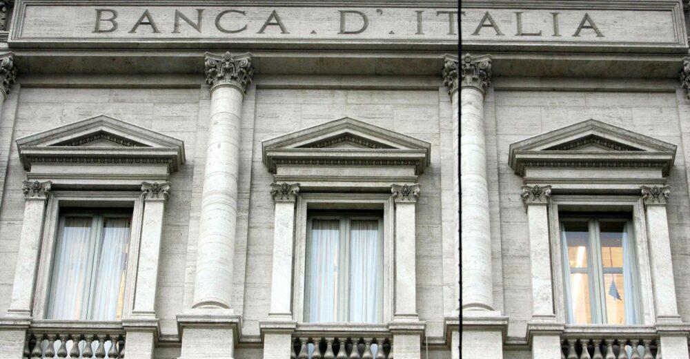 Indagine di Bankitalia sugli effetti del Covid: «Colpito il reddito di metà della popolazione»