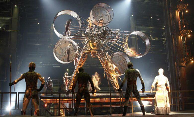 Photo of Le Cirque du Soleil fra gli squali dell'Oceano rosso