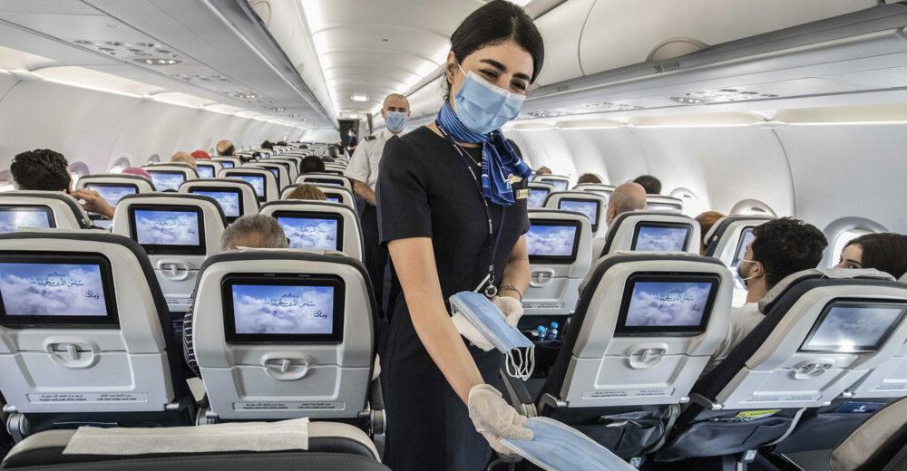 Perché in aereo non c'è il distanziamento?