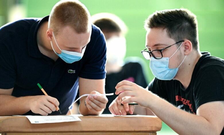 Photo of «A scuola solo mascherine chirurgiche»: il Cts boccia quelle di stoffa