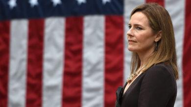 Photo of Chi è Amy Coney Barrett, la giudice scelta da Trump per la Corte Suprema