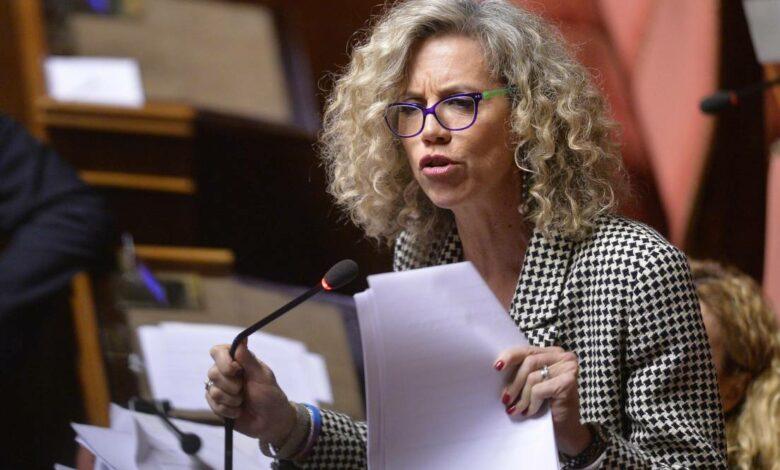 Photo of Chi è Monica Cirinnà, paladina delle unioni civili autocandidata a sindaco di Roma