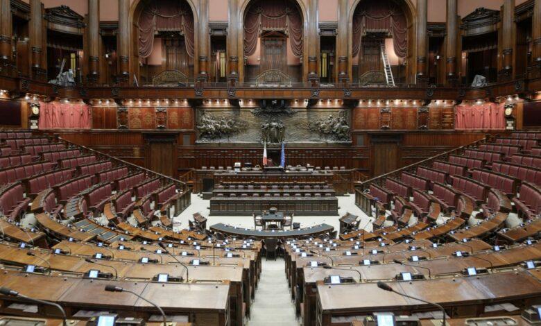 Photo of Referendum taglio dei parlamentari: le ragioni del sì, quelle del no e le posizioni dei partiti