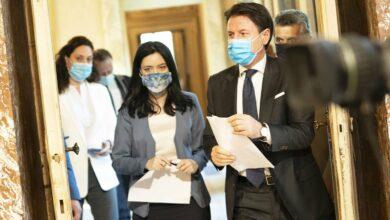 Photo of Scuola, Conte: «Comincerà regolarmente il 14 settembre in sicurezza»