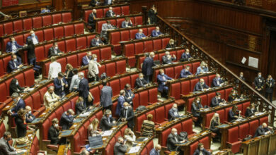 Photo of Covid, in Parlamento 16 positivi. Si può votare a distanza?